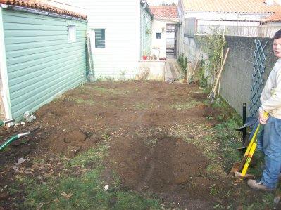 Am nagement d 39 un petit jardin rochefort le paradis vert 17 for Amenagement jardin 17